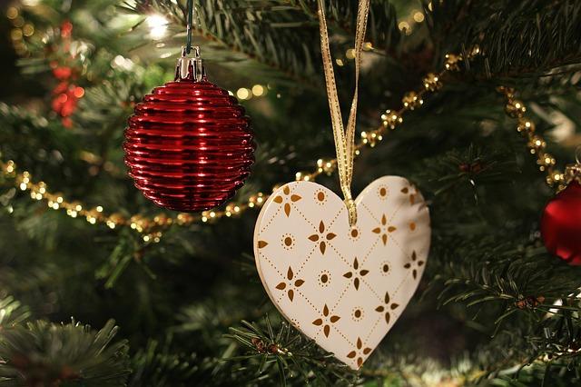 vánoční ozdoba srdce.jpg
