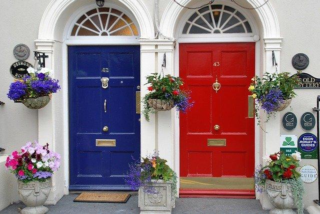 barevné dveře.jpg