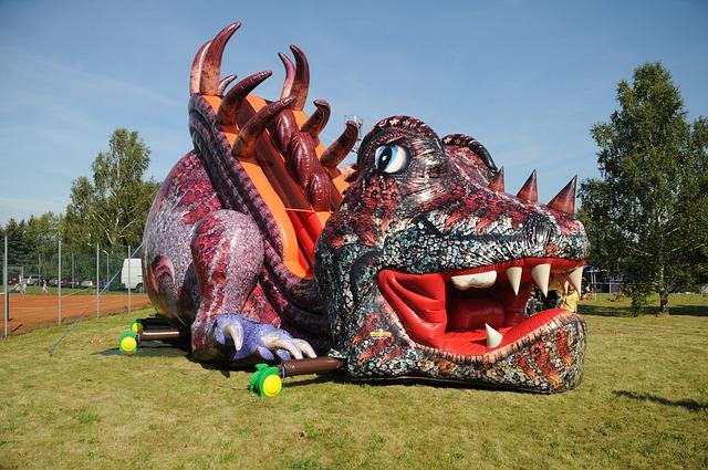 nafukovací skluzavka drak.jpg