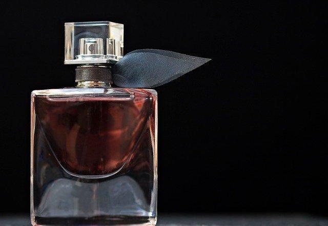 parfém flakon.jpg