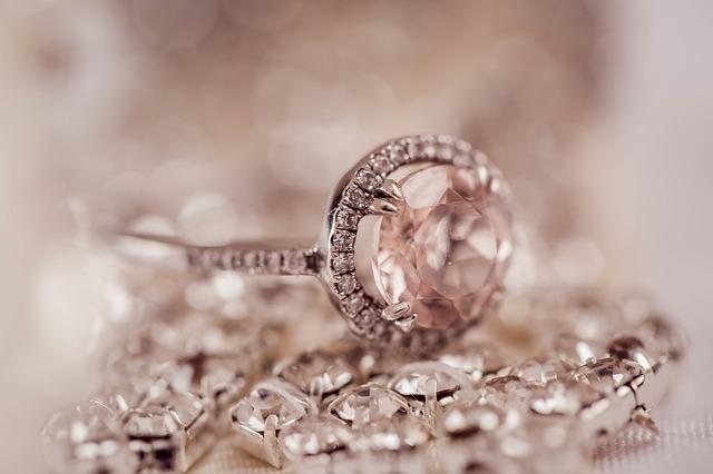 šperky s diamanty.jpg